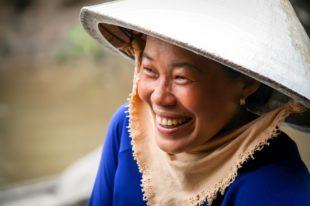 Femme vietnamienne durant notre Circuit grand tour Vietnam