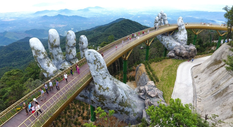 Le Cau Vang au Vietnam - pont doree