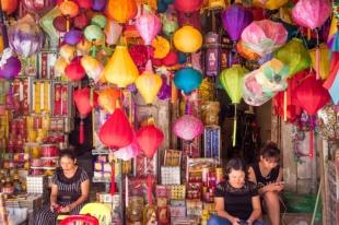 marché de lampes à Hanoi